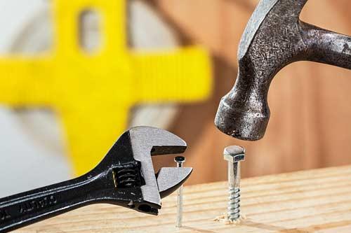 Hammer - verschiedene Modelle im Einsatz